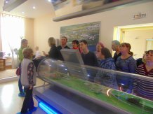 Члены клуба Ровесник на экскурсии в музее гидроэнергетики.